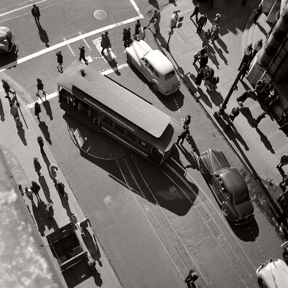 fred-lyon-city-life-photographer-10