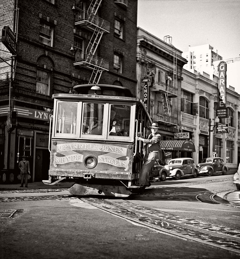 fred-lyon-city-life-photographer-13