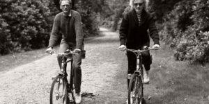 Vintage: B&W photos of Hollywood Celebrities on summer holidays