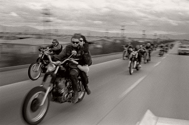vintage-hells-angels-motorcycle-club-in-1965-by-bill-ray-04