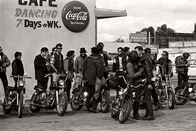 vintage-hells-angels-motorcycle-club-in-1965-by-bill-ray-06