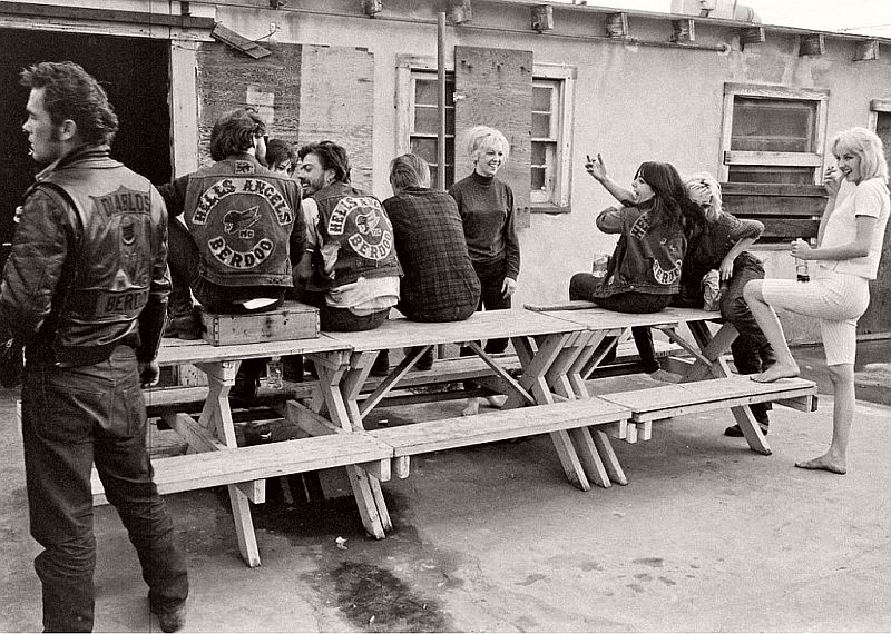 vintage-hells-angels-motorcycle-club-in-1965-by-bill-ray-13