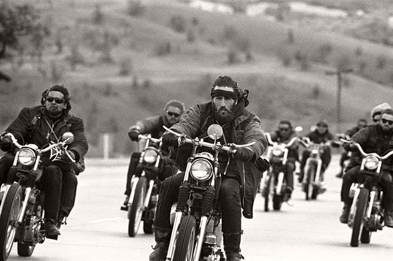 vintage-hells-angels-motorcycle-club-in-1965-by-bill-ray-14