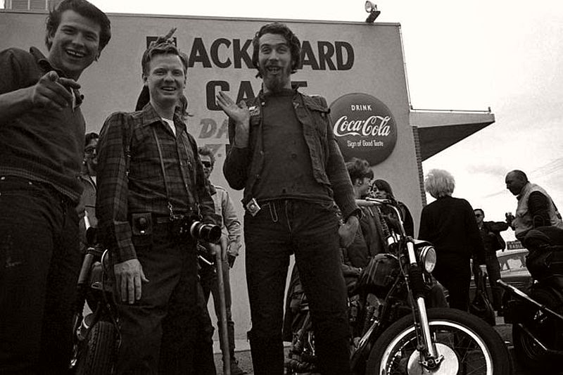 vintage-hells-angels-motorcycle-club-in-1965-by-bill-ray-17
