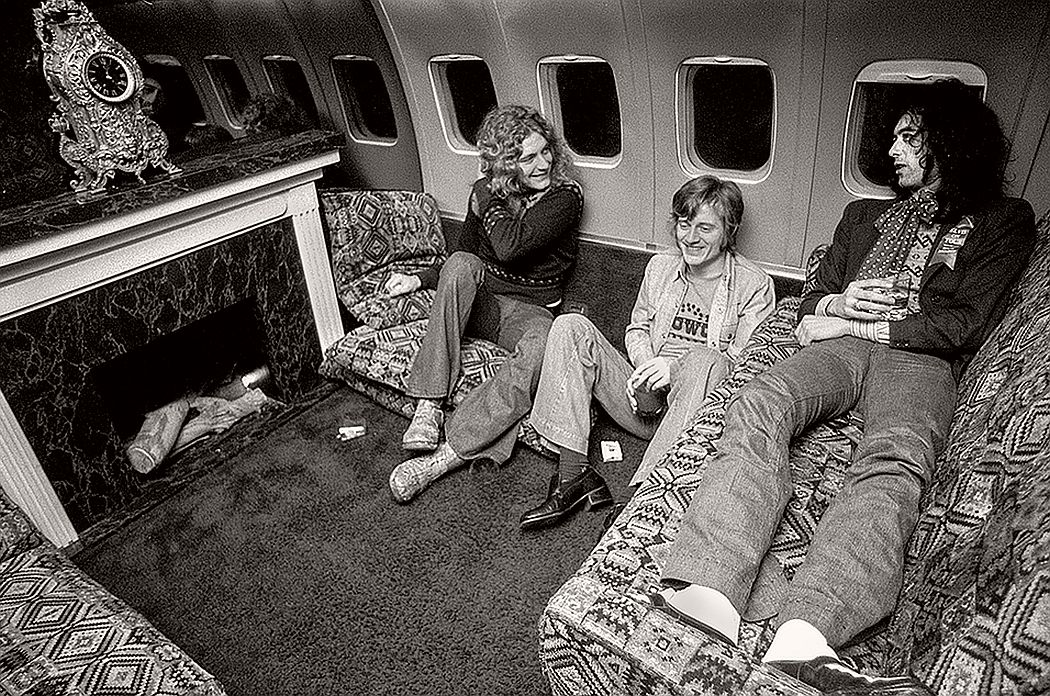 vintage-led-zeppelin-from-their-early-days-1960s-1970s-04