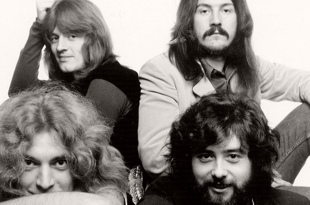 vintage-led-zeppelin-from-their-early-days-1960s-1970s-07