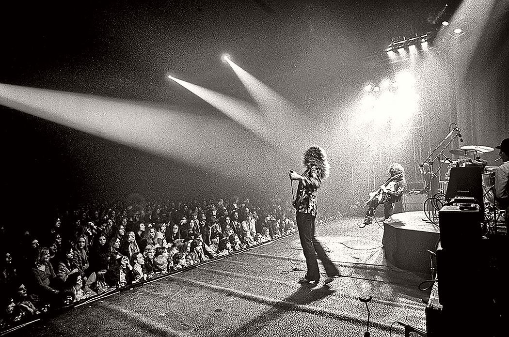 vintage-led-zeppelin-from-their-early-days-1960s-1970s-08