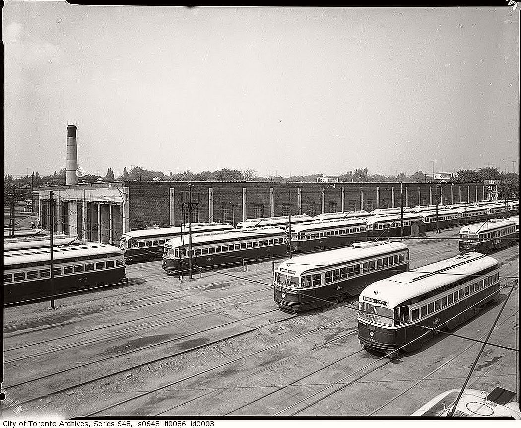 vintage-pcc-streetcars-in-toronto-1960s-04