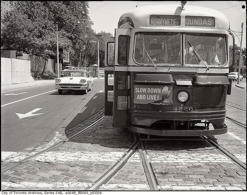 vintage-pcc-streetcars-in-toronto-1960s-05