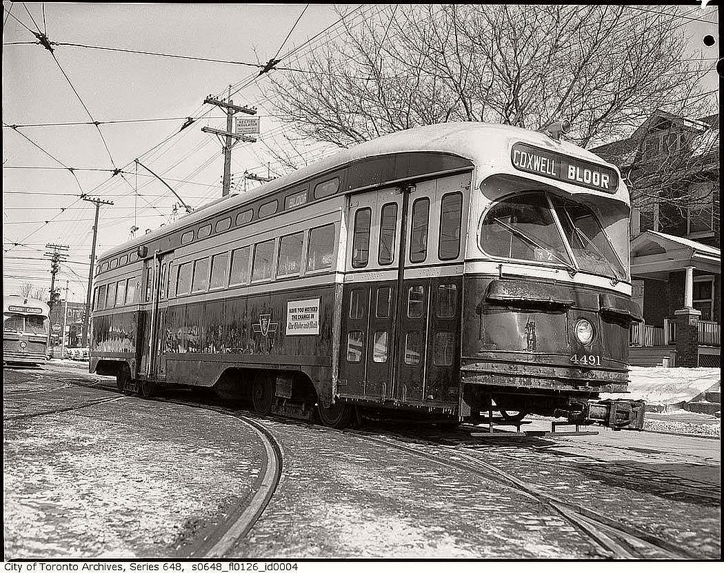 vintage-pcc-streetcars-in-toronto-1960s-09
