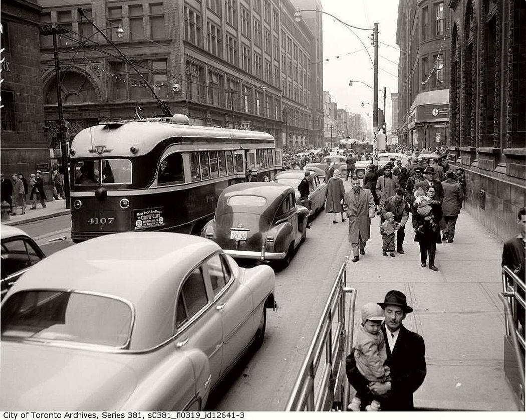vintage-pcc-streetcars-in-toronto-1960s-10