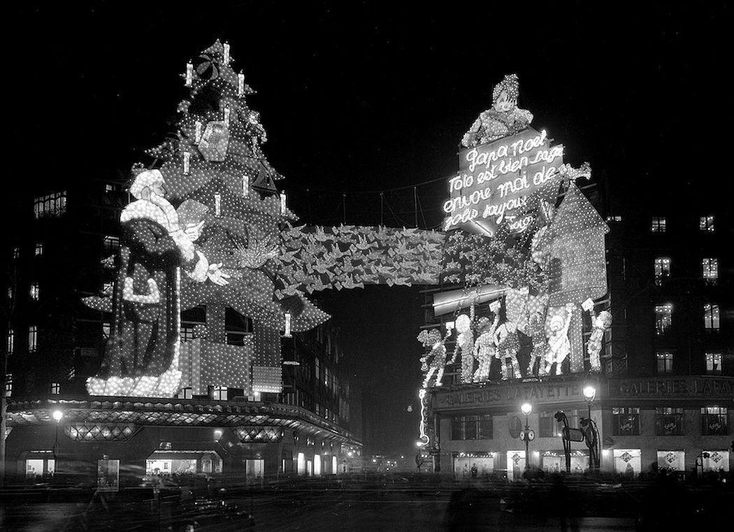 vintage-christmas-in-paris-1920s-1970s-09