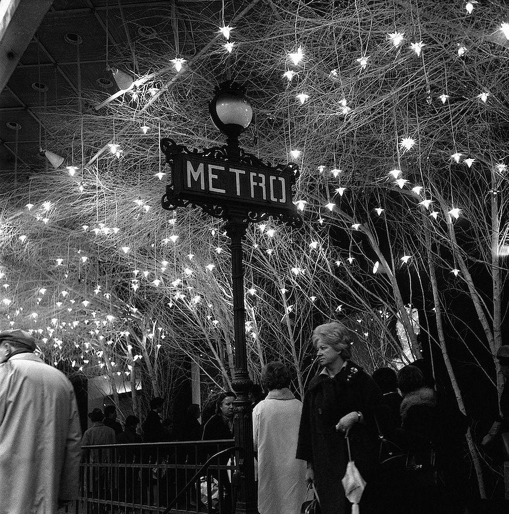 vintage-christmas-in-paris-1920s-1970s-10