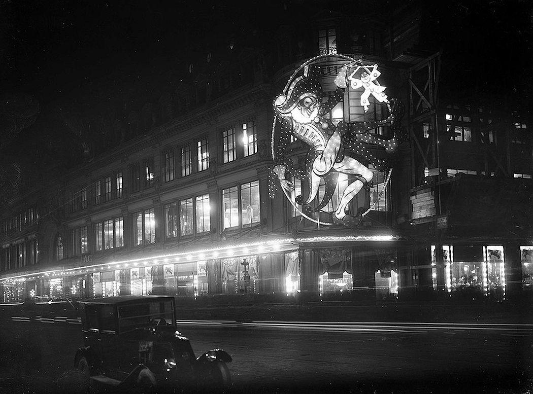 vintage-christmas-in-paris-1920s-1970s-11