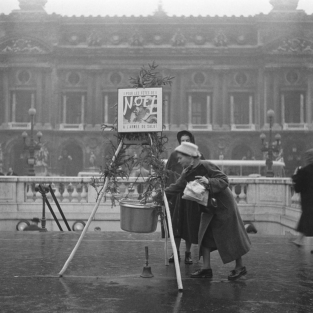 vintage-christmas-in-paris-1920s-1970s-12