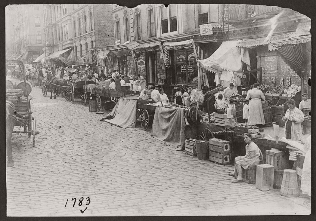 vintage-pushcart-markets-in-new-york-early-20th-century-1900s-03