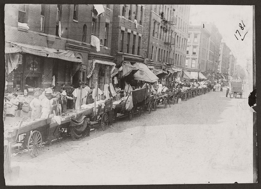 vintage-pushcart-markets-in-new-york-early-20th-century-1900s-04