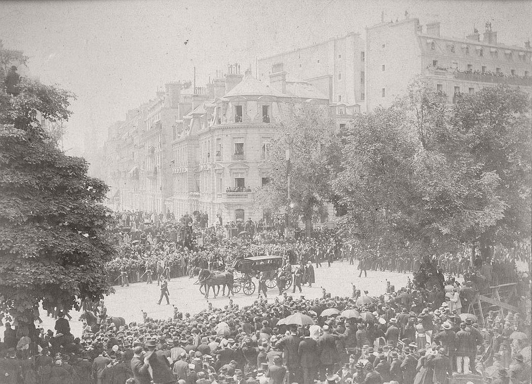 vintage-victor-hugos-funeral-1885-07