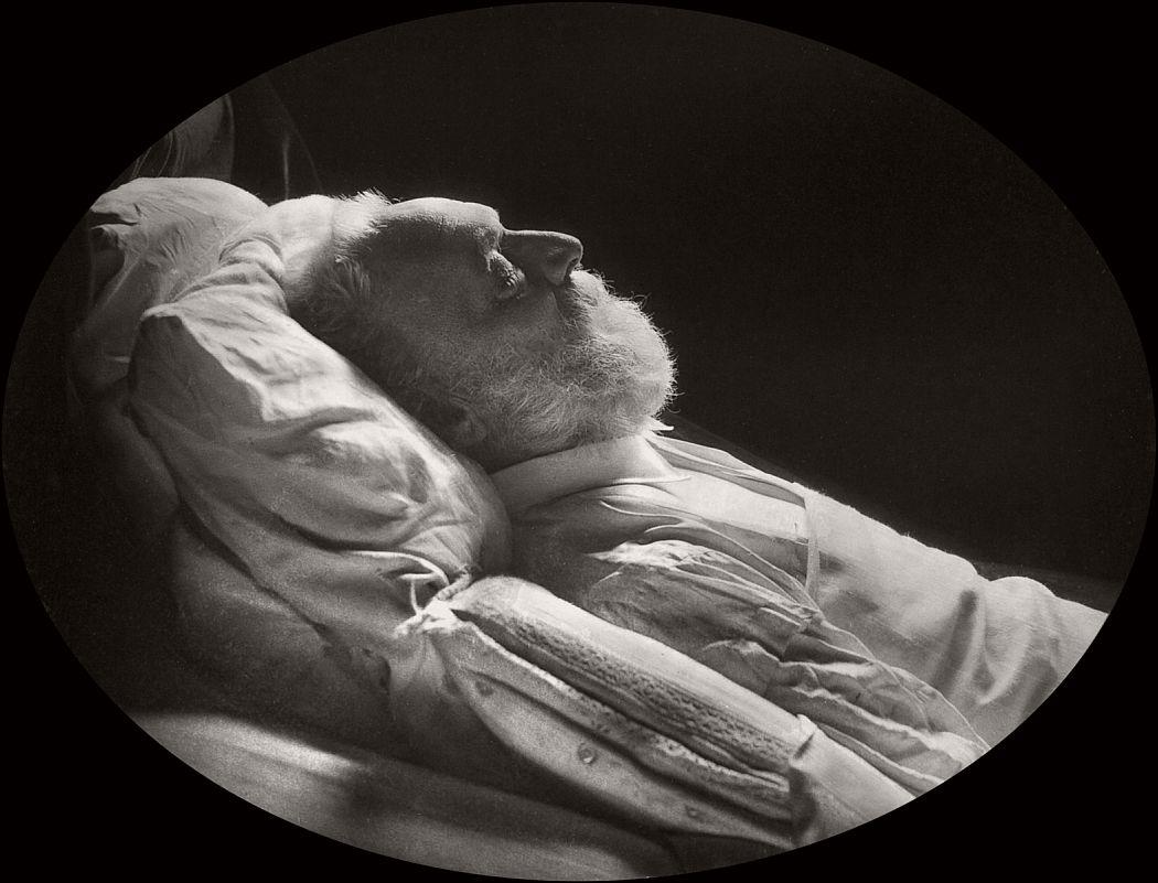 vintage-victor-hugos-funeral-1885-09