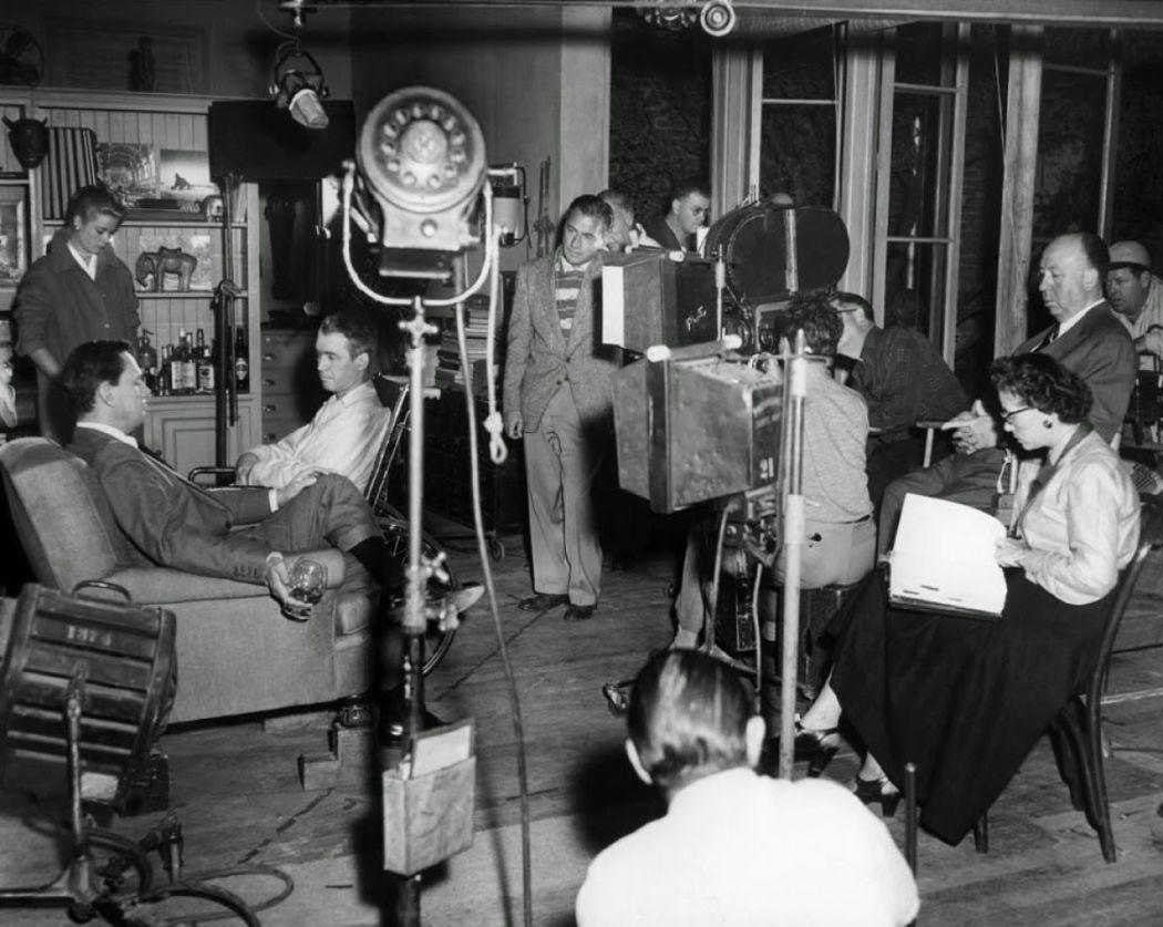 Behind-the-scenes-Rear-Window-1954-92