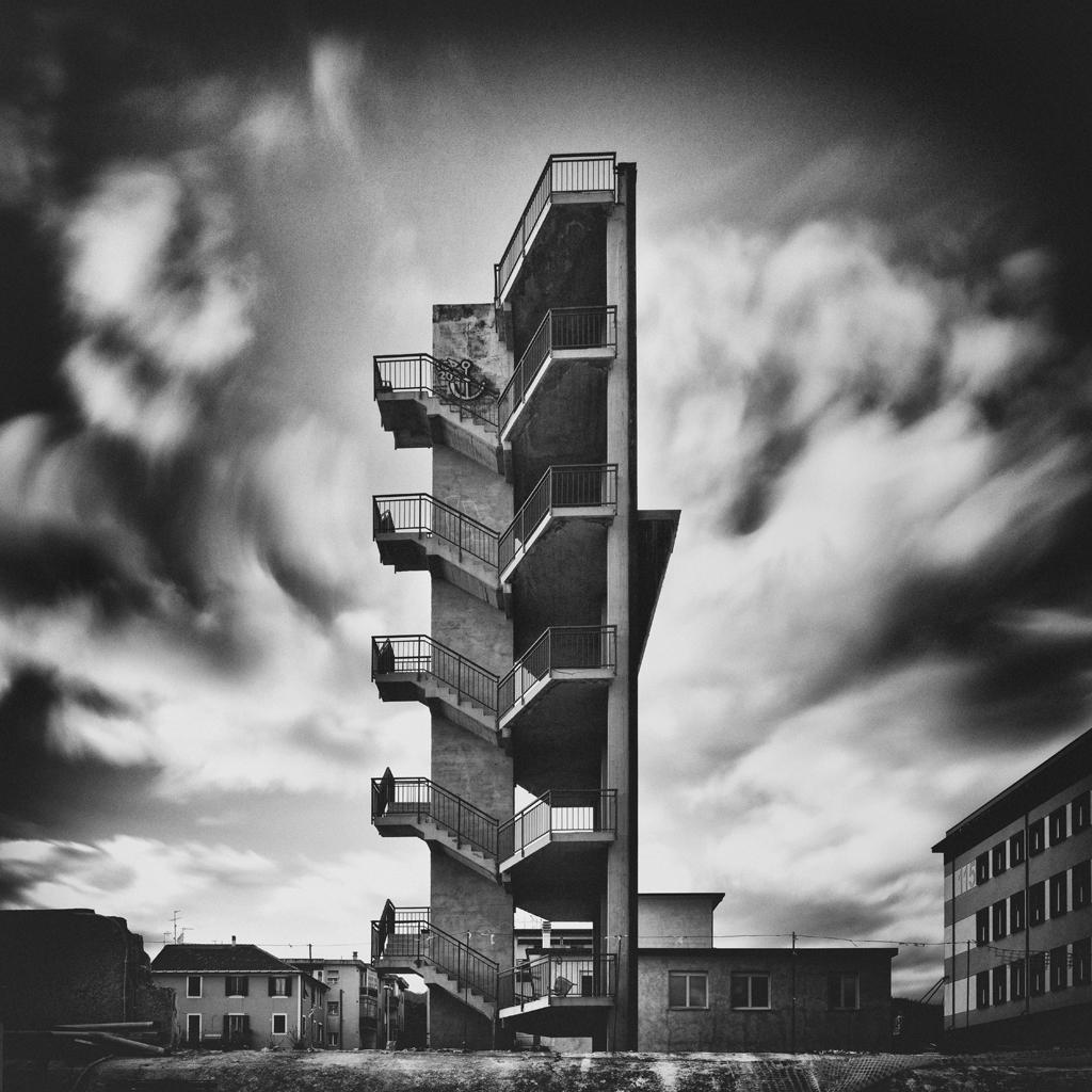 non-professional-architecture-buildings-3rd-aurelio-bormioli-italy