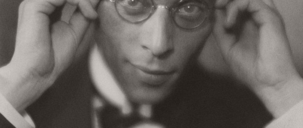Biography: Portrait photographer Laure Albin Guillot