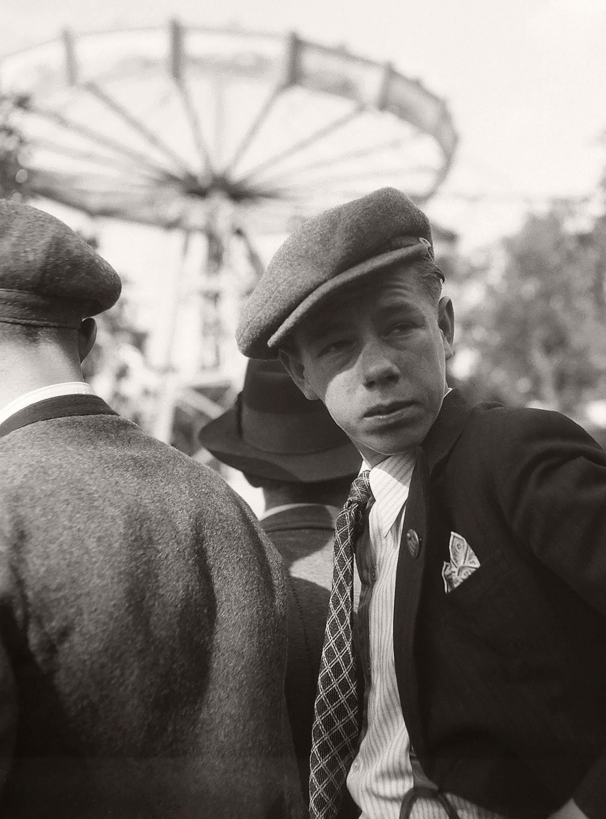 Robert Haas: In the Böhmischer Prater amusement park on the Laaer Berg, Vienna, 1938 © Wien Museum/Sammlung Robert Haas