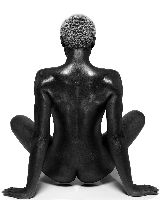 sylvie-blum-naked-beauty-04