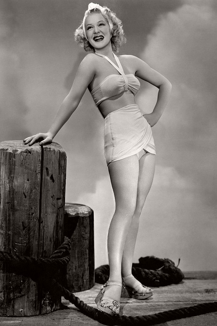 vintage-celebrities-and-fashion-of-1940s-17