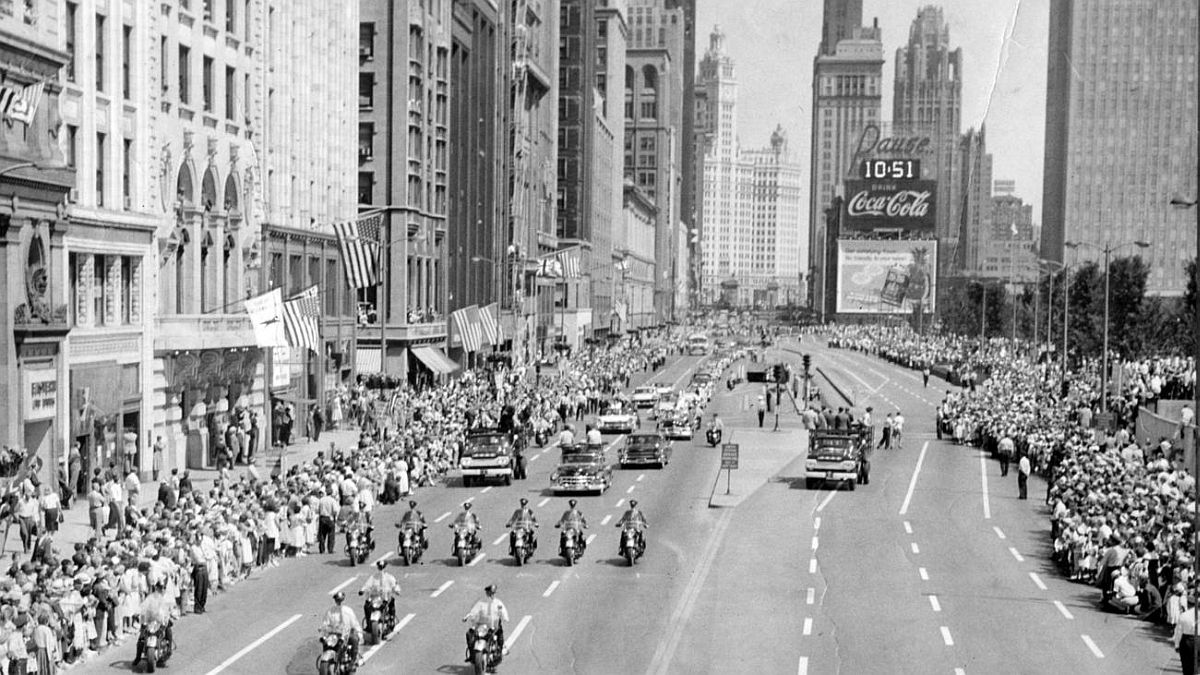 Chicago American Queen Elizabeth II's motorcade travels down Michigan Avenue on July 6, 1959.