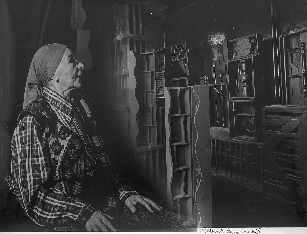 Estate of Pedro E. Guerrero, Louise Nevelson in Her Studio, NY, 1978
