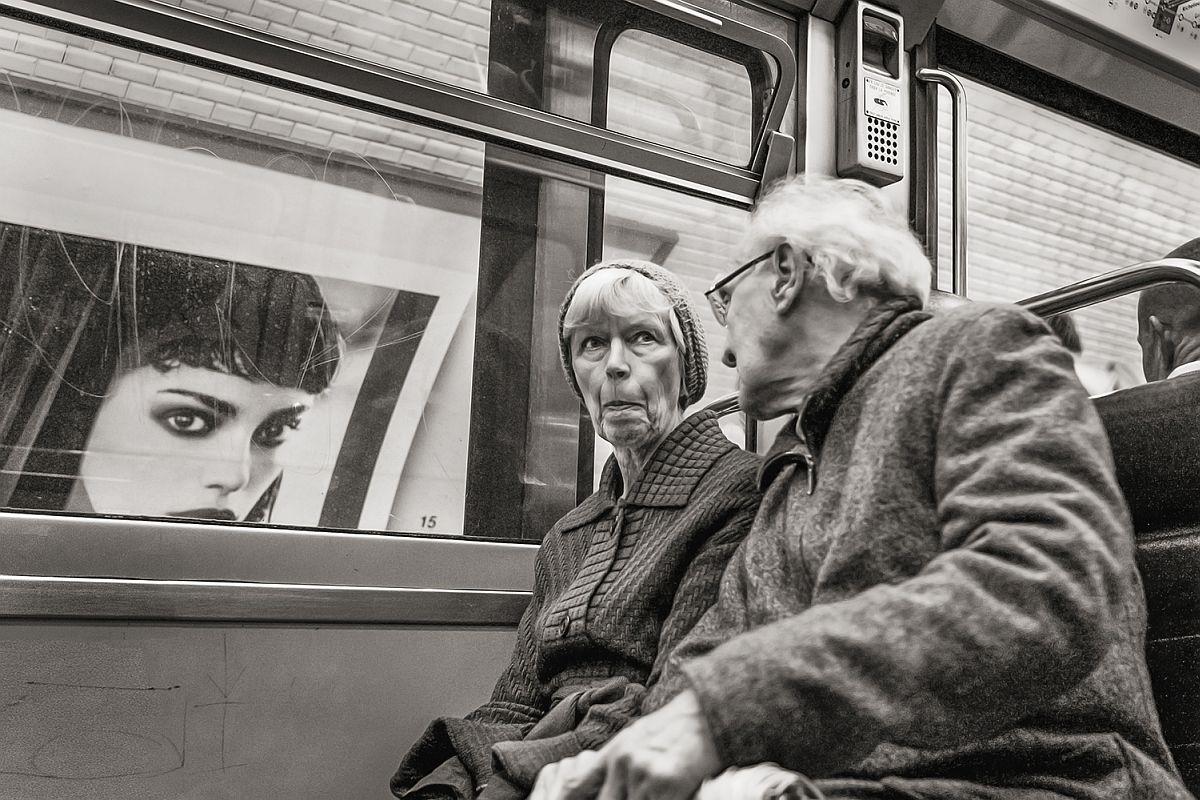 Line 4 near Les Halles, Paris, 2007  © Stan Raucher