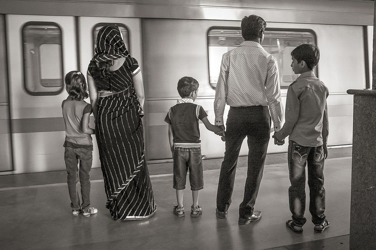 Yellow Line at HUDA City Center, Delhi 2012 © Stan Raucher