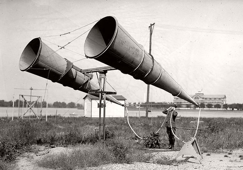 A two-horn system at Bolling Field, USA, near the Army War College at Fort McNair (in the background), 1921
