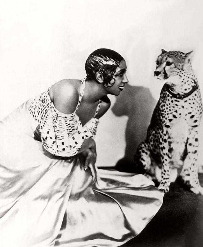 Josephine Baker with cheetah Chiquita