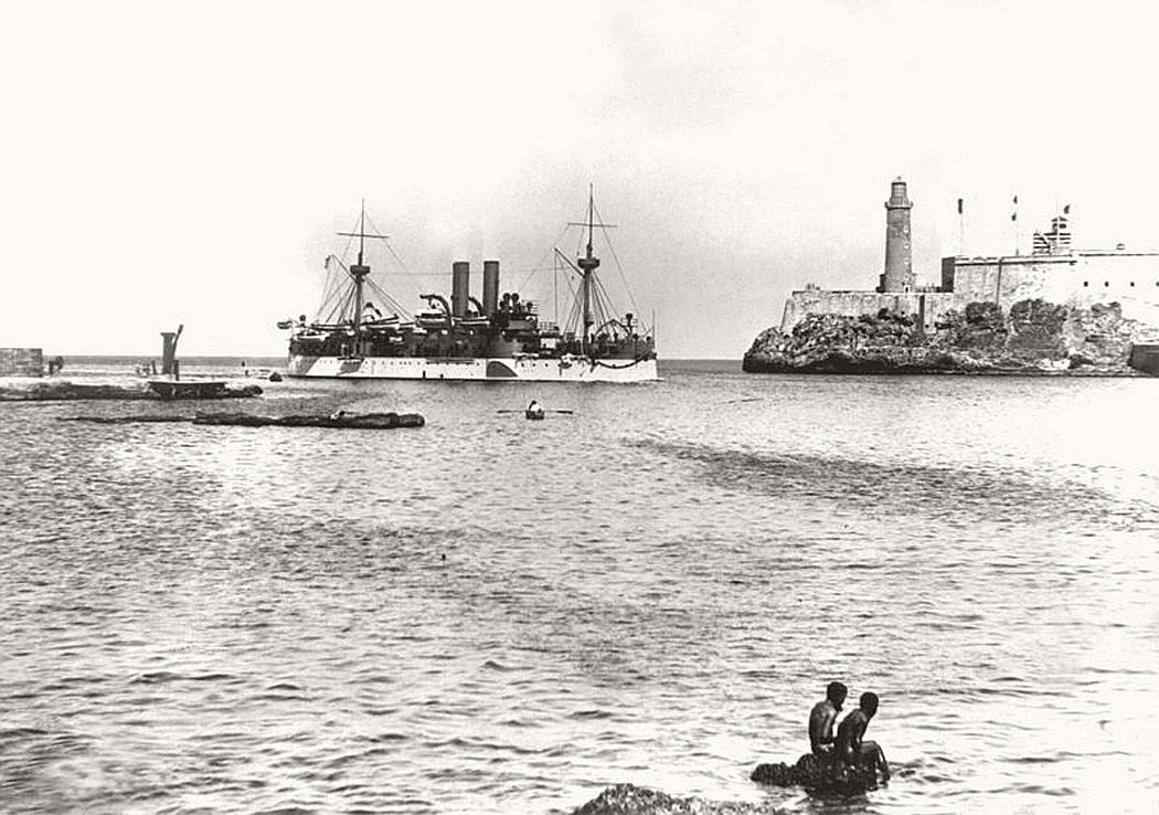 USS Maine entering Havana Harbor, 25 January 1898