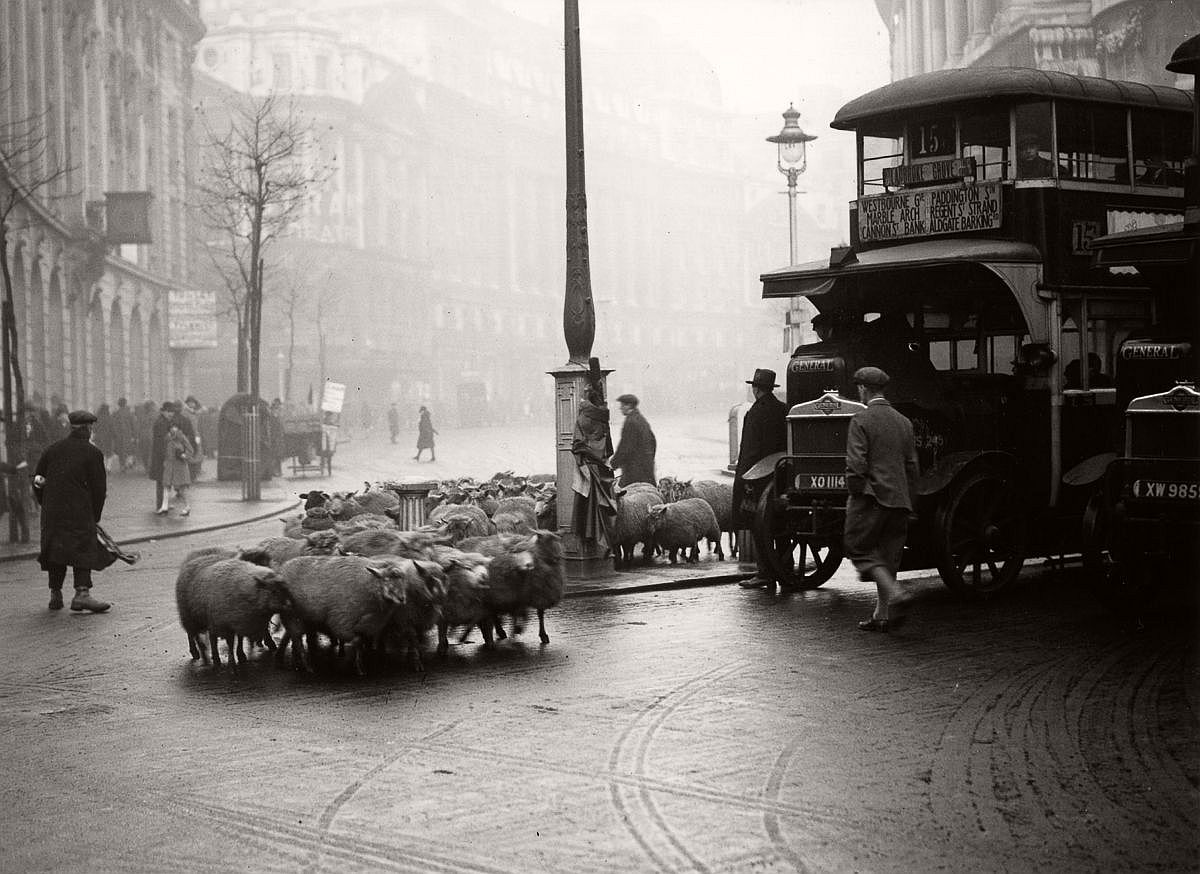 1928  Holding up traffic in the Aldwych.  Image: Fox Photos/Getty Images