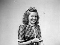 Vintage: Celebrity Self-portraits in Gjon Mili's studio (1944)