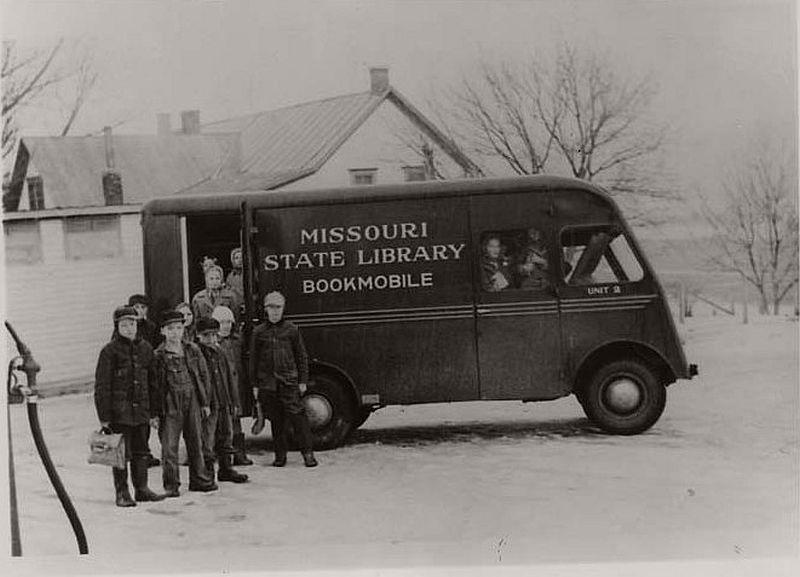 Missouri State library bookmobile, ca. 1940s