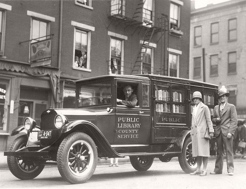 The library's bookmobile in Cincinnati, Ohio, ca. 1920s