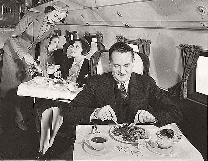 Airplane meal service, 1939