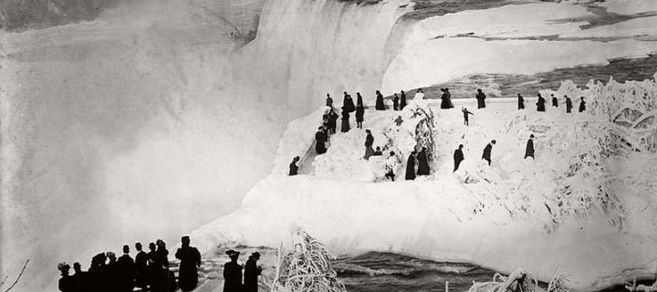 Vintage: Niagara Falls during Winter (19th Century)