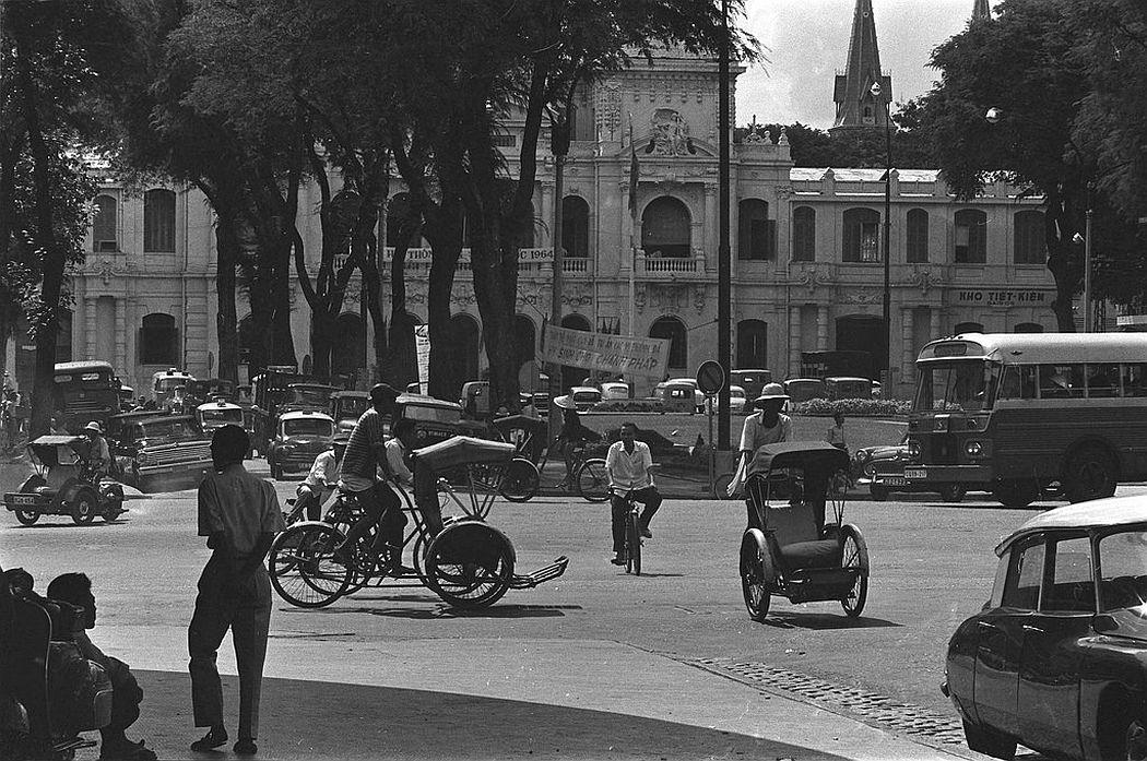 Street scene in Saigon, 1969