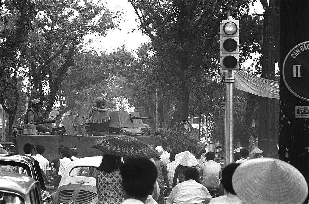U.S. tanks moving through Saigon traffic, June 1968