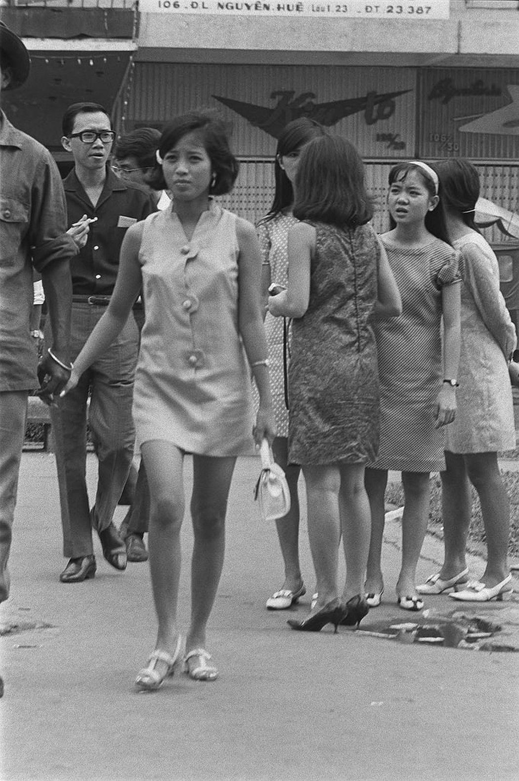 Young Vietnamese girls wear Western dress, Saigon, 1969