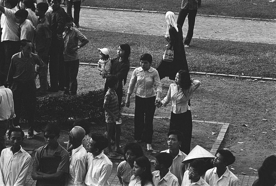 Saigon rue Catinat, June 1964