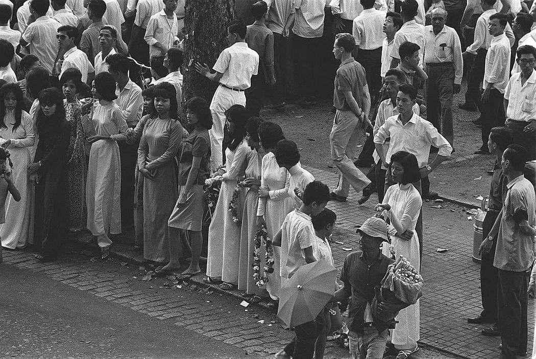 Saigon street scene, 1964
