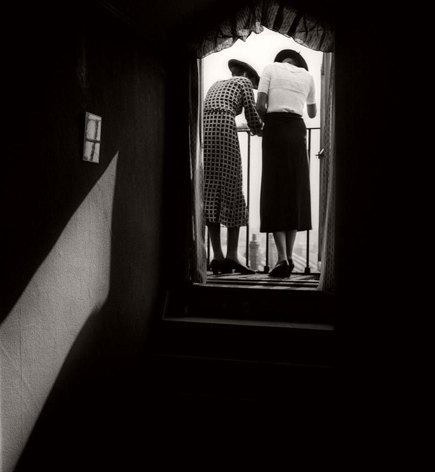 Eva and Lyena, 1934.
