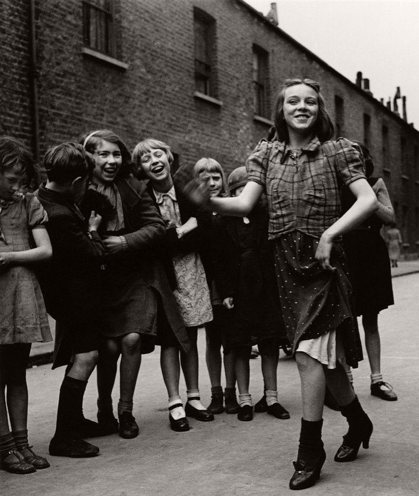 East End girl dancing the Lambeth Walk, 1939.