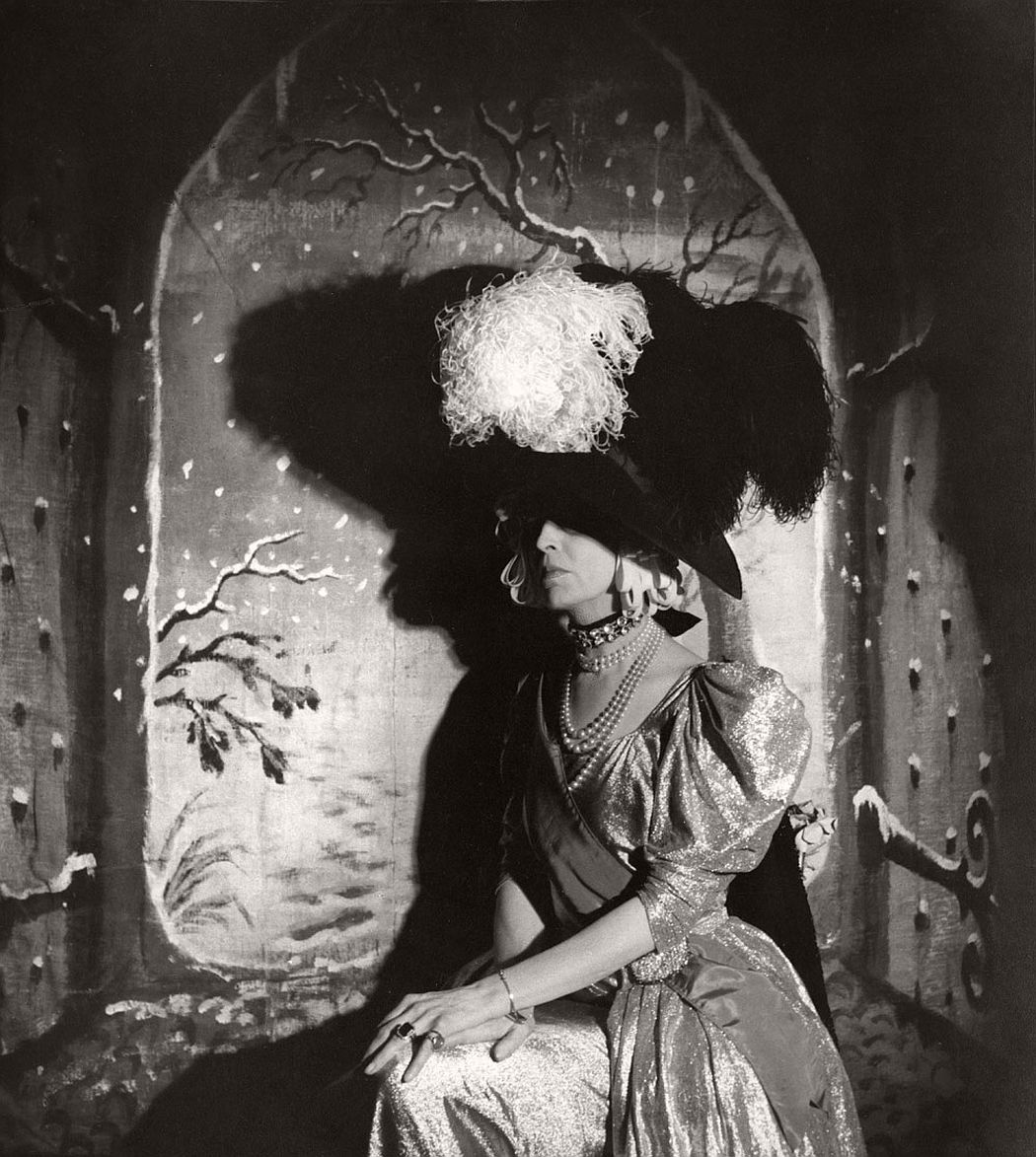 "The Countess of Pembroke acting in Beaton's musical ""Heil Cinderella"" 1939 © Cecil Beaton Archive, Sotheby's"